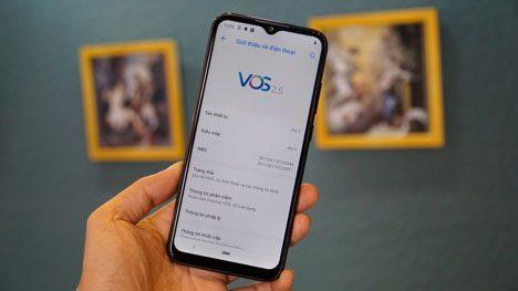 Giao diện khá gần với những điện thoại Android thuần và được tích hợp nhiều tính năng độc đáo