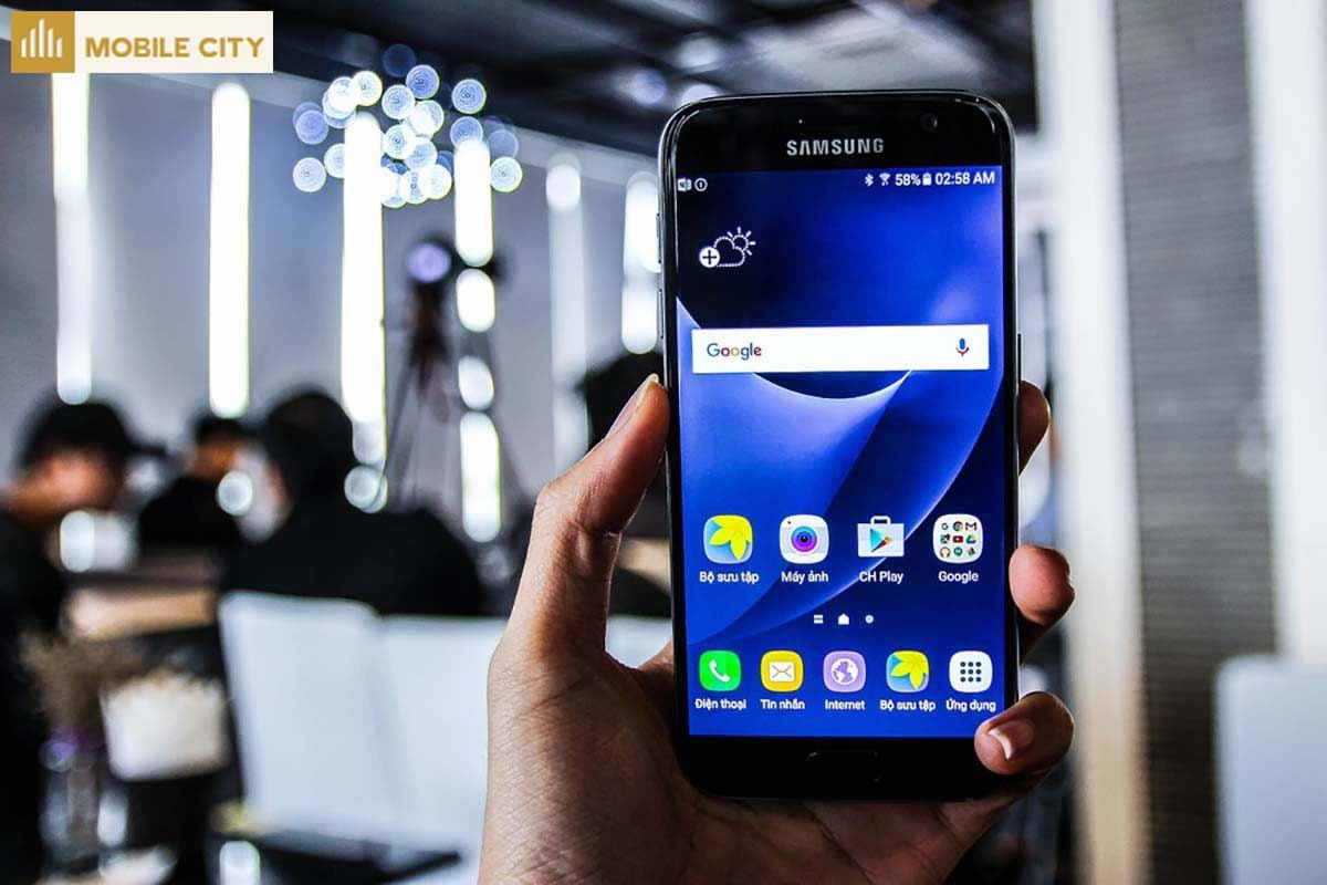 Màn hình Samsung S7 rõ nét chi tiết