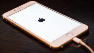 Sac Pin Dien Thoai Iphone 300x169.jpg